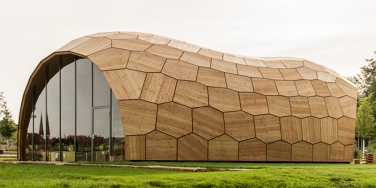 The Landesgartenschau Exibition Hall, Università di Stoccarda, Germania.